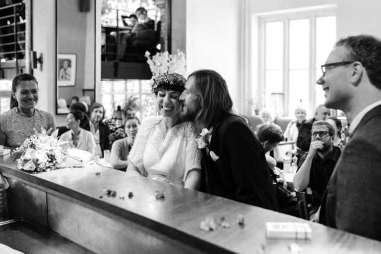 Eine entspannte Hochzeit in einer Hamburger Bar